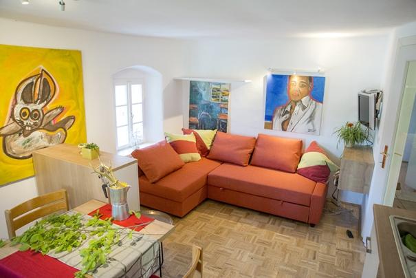 Die gemütliche Ferienwohnung in ruhiger Lage. Platz für 4 Personen. Liegt im Thermen und Vulkanland. nähe der Riegersburg.