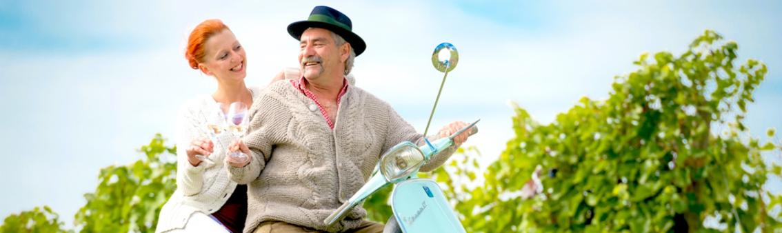 Vespa Weinreise im Malerwinkl, sommerferien in der steiermark, holunder erleben, thermenland aronia, aronia ernte, holunder ernte, bio kaufen, urlaub steiermark,