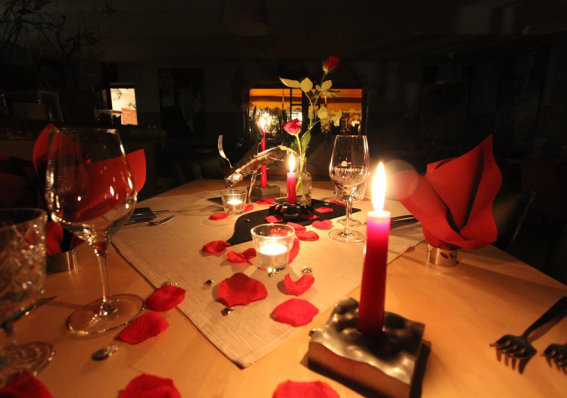 candlelight dinner, candle light dinner, romantisches dinner, geschenk zu valentin, idee zur verlobung, romantischer abend zu zweit, romantisches dinner, malerwinkl candle light dinner, malerwinkel candle light dinner,