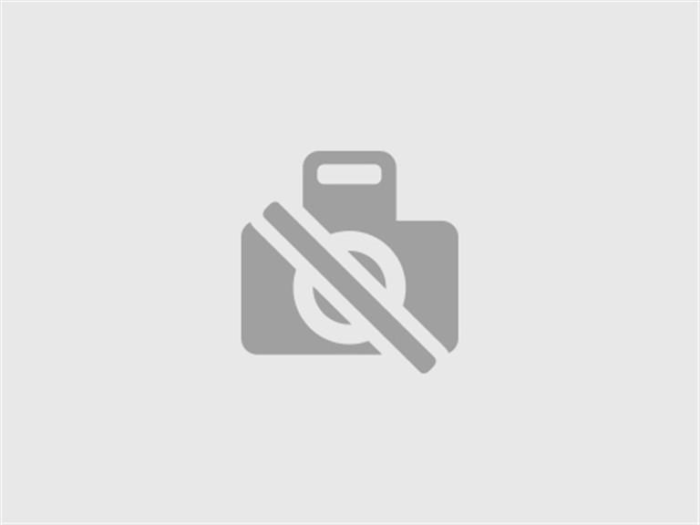 Candlelight-Dinner mit Weinbegleitung:   Beim Candle Light Dinner erwartet Sie einromantisch gedeckter Tischmit vie