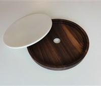 """Desin Holzbrett Woodi """"Rund"""" Ø 27:   Das runde handgefertigte Designer Holzbrett von Woodi ist immer aktuell.  B"""